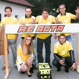 Tým žlutých. Vtipný ale i nejnezbednější tým.